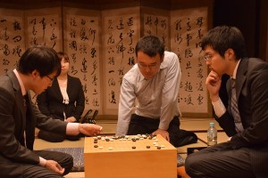 2015.11.18_63oza2 Yuki joins in game review. Iyama left